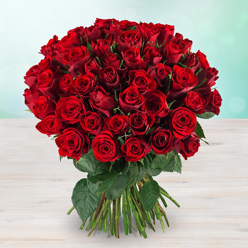 Kytice rudých drobných růží