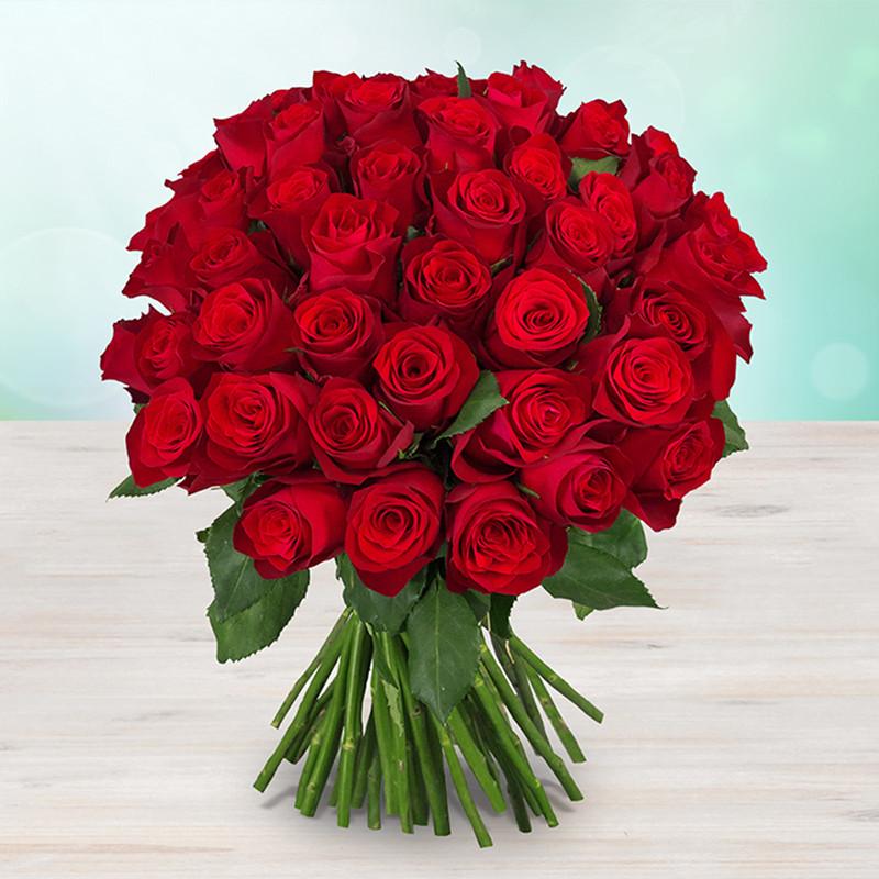 Kytice 17 rudých luxusních růží