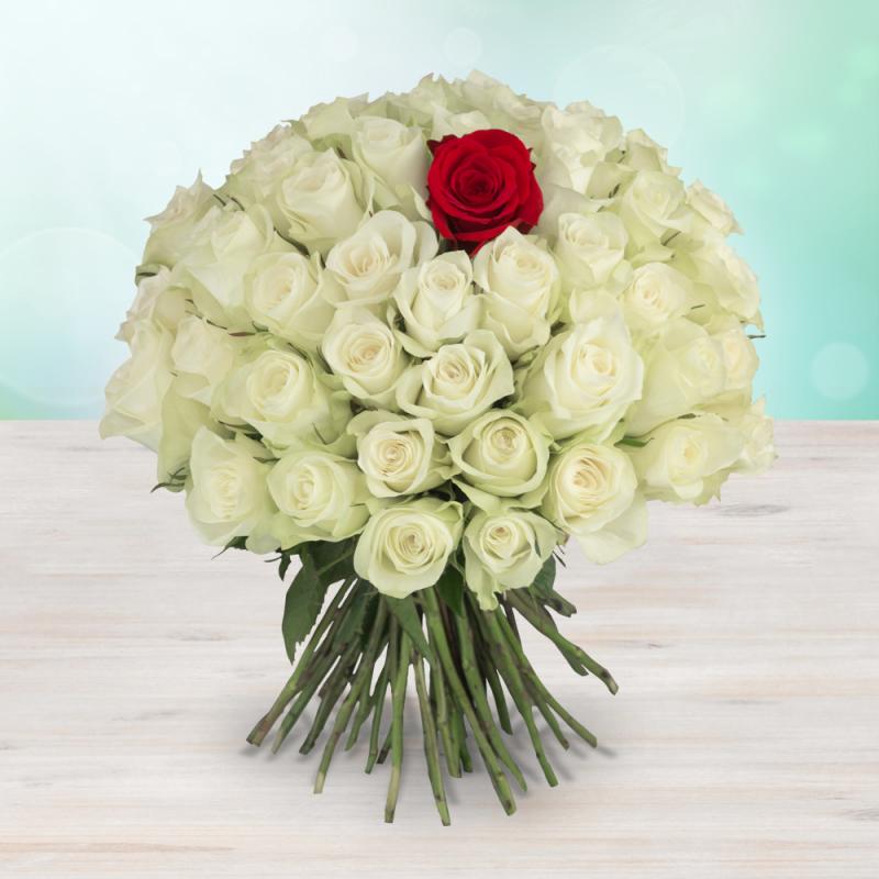 Kytice 49 bílých s rudou růží